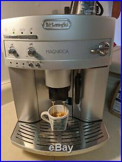 DeLonghi ESAM3300 Magnifica Super Automatic Espresso Machine