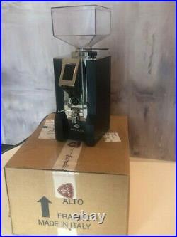 Mignon Specialita coffee/espresso grinder in superb condition-only months old