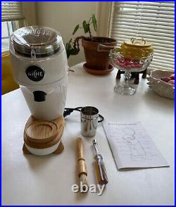 Niche Zero in White Coffee Espresso Conical Burr Grinder US Model Pure 120V AC
