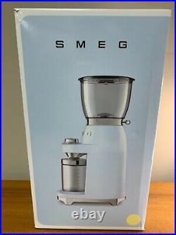 Smeg CGF01 White button Selector Lightweight Retro Style Coffee Grinder