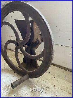 Vintage Stover Mfg Co No 32 Rustic Cast Iron Burr Mill Coffee Grain Corn Grinder
